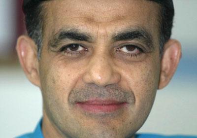 http://beragas.files.wordpress.com/2008/09/syed-mokhtar-albukhary1.jpg